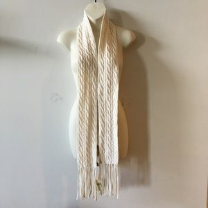 ANN TAYLOR soft natural white cable knit scarf